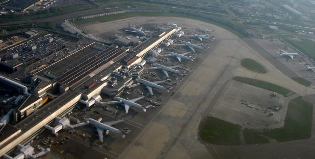 800px-Heathrow_LON_04_07_77